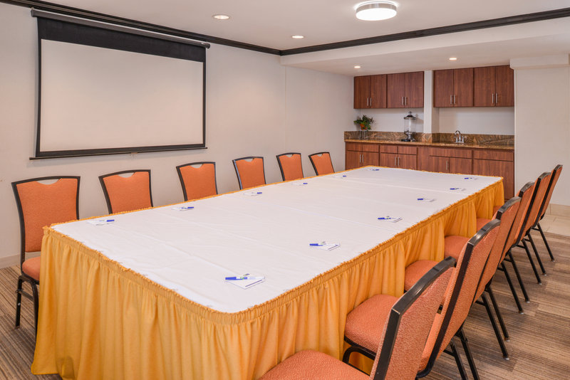 Holiday Inn Express Palm Desert-We Can Accommodate Your Next Meeting<br/>Image from Leonardo
