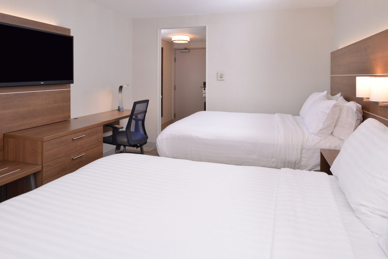 Holiday Inn Express Palm Desert-Queen Bed Guest Room<br/>Image from Leonardo