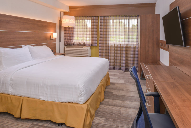 Holiday Inn Express Palm Desert-King Accessible Bed Nonsmoking<br/>Image from Leonardo