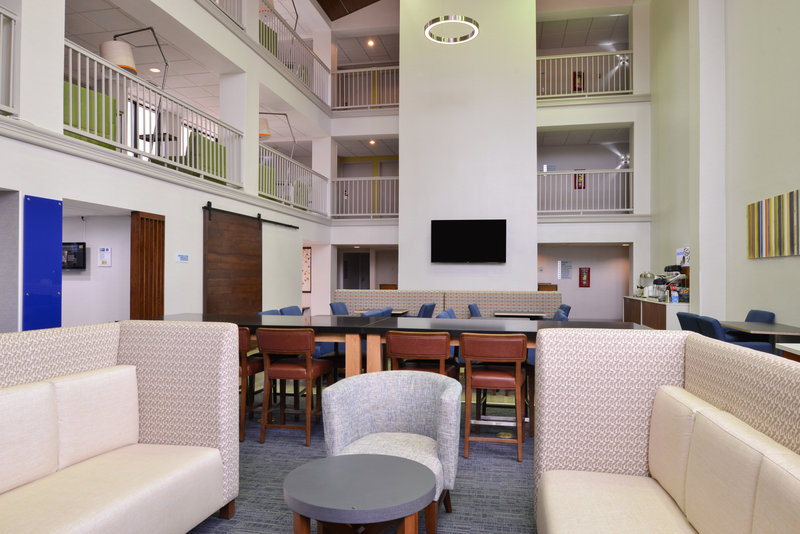 Holiday Inn Express Palm Desert-Unwind In Our Lobby<br/>Image from Leonardo