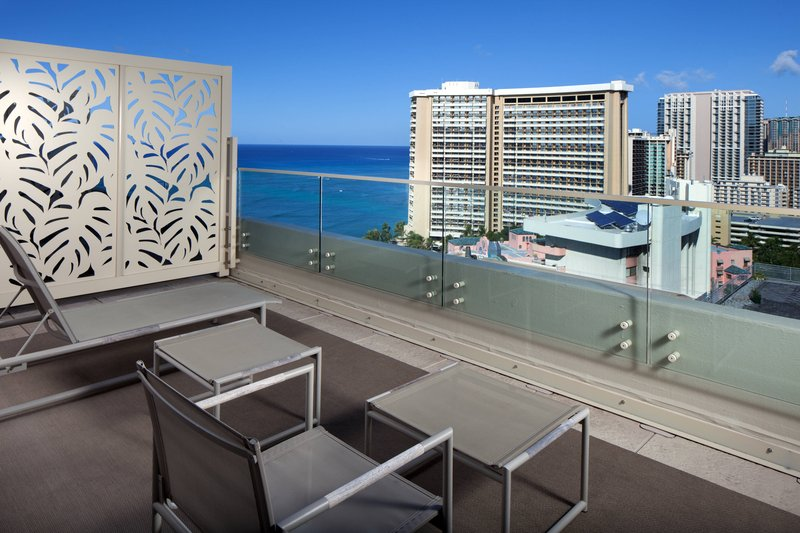 Moana Surfrider, A Westin Resort & Spa, Waikiki Beach - Skyline Suite <br/>Image from Leonardo