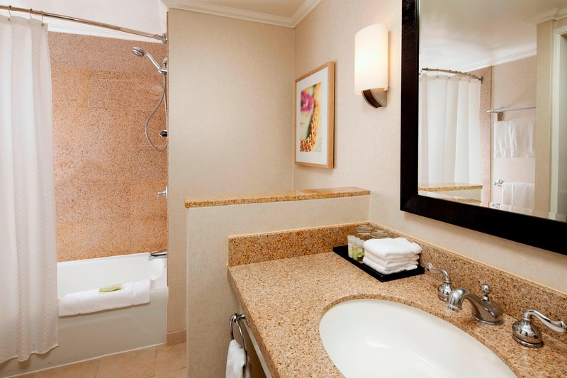 Moana Surfrider, A Westin Resort & Spa, Waikiki Beach - Tower Bathroom <br/>Image from Leonardo