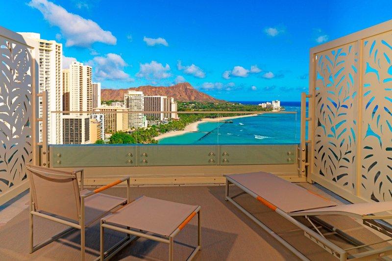 Moana Surfrider, A Westin Resort & Spa, Waikiki Beach - Penthouse Ocean Suite - Diamond Head View <br/>Image from Leonardo