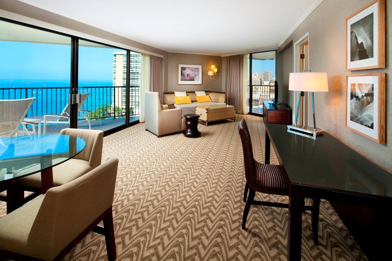 Moana Surfrider, A Westin Resort & Spa, Waikiki Beach - Tower Ocean Suite - Living Room <br/>Image from Leonardo