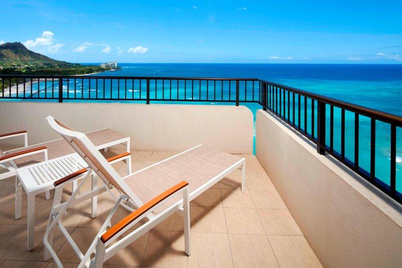 Moana Surfrider, A Westin Resort & Spa, Waikiki Beach - Tower Ocean Suite Diamond Head Lanai <br/>Image from Leonardo