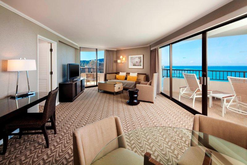 Moana Surfrider, A Westin Resort & Spa, Waikiki Beach - Tower Ocean Suite Diamond Head <br/>Image from Leonardo