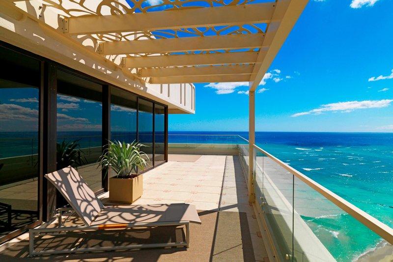 Moana Surfrider, A Westin Resort & Spa, Waikiki Beach - Penthouse Suite - Ewa facing Lanai <br/>Image from Leonardo