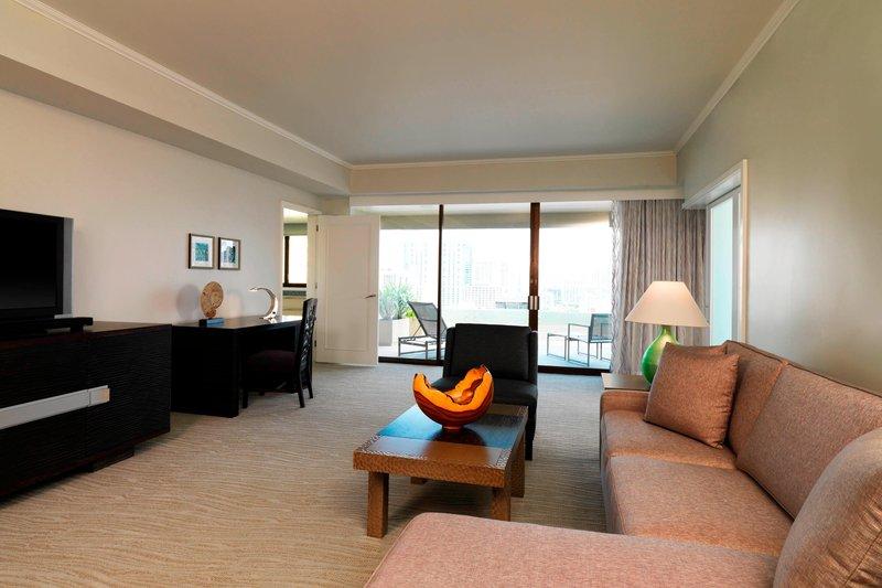 Moana Surfrider, A Westin Resort & Spa, Waikiki Beach - Penthouse Accessible Suite <br/>Image from Leonardo