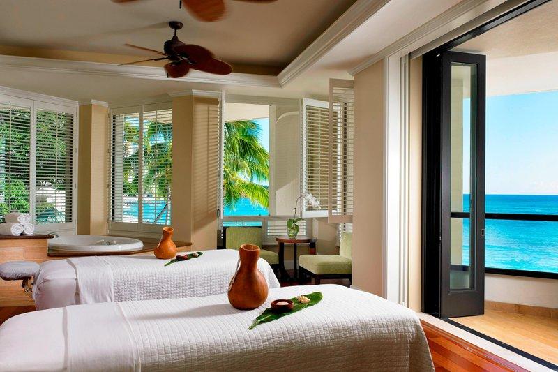 Moana Surfrider, A Westin Resort & Spa, Waikiki Beach - Couple s Suite <br/>Image from Leonardo