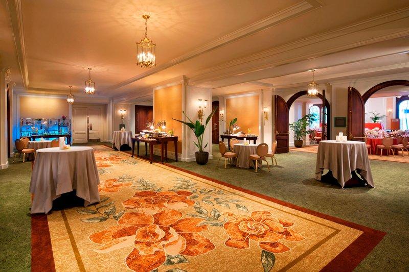 Moana Surfrider, A Westin Resort & Spa, Waikiki Beach - Ballroom Foyer <br/>Image from Leonardo