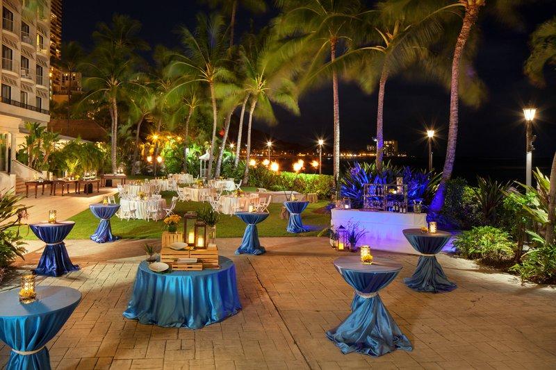 Moana Surfrider, A Westin Resort & Spa, Waikiki Beach - Diamond Lawn Dinner Function <br/>Image from Leonardo