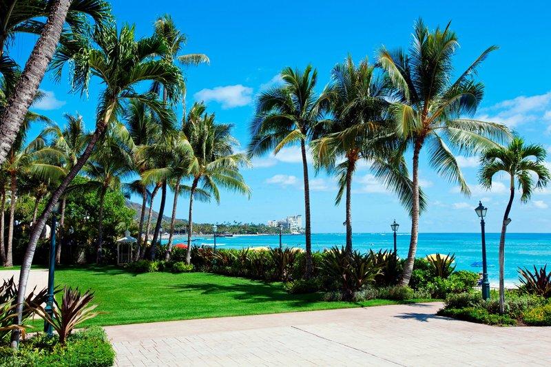 Moana Surfrider, A Westin Resort & Spa, Waikiki Beach - Diamond Lawn Terrace <br/>Image from Leonardo