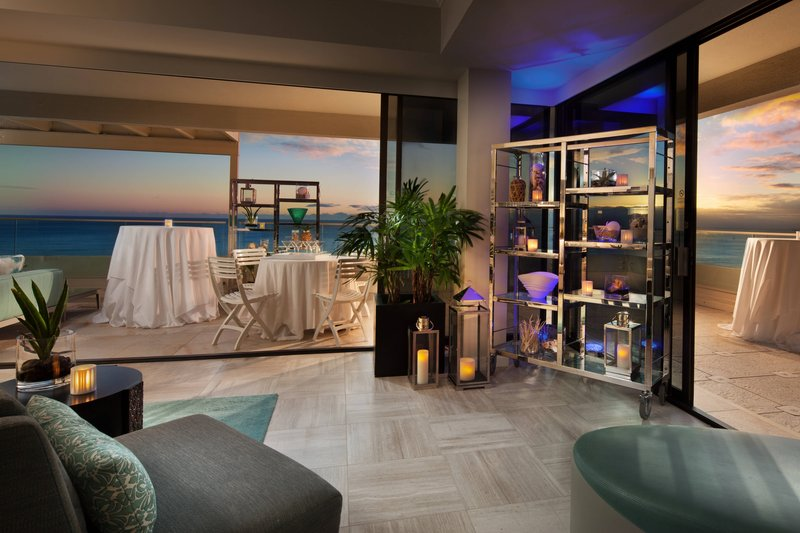 Moana Surfrider, A Westin Resort & Spa, Waikiki Beach - Social Reception <br/>Image from Leonardo