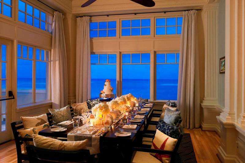 Moana Surfrider, A Westin Resort & Spa, Waikiki Beach - Beach House with Wedding <br/>Image from Leonardo