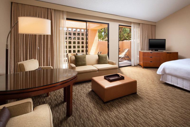 Westin Mission Hills Golf Resort-Deluxe King Guest Room<br/>Image from Leonardo