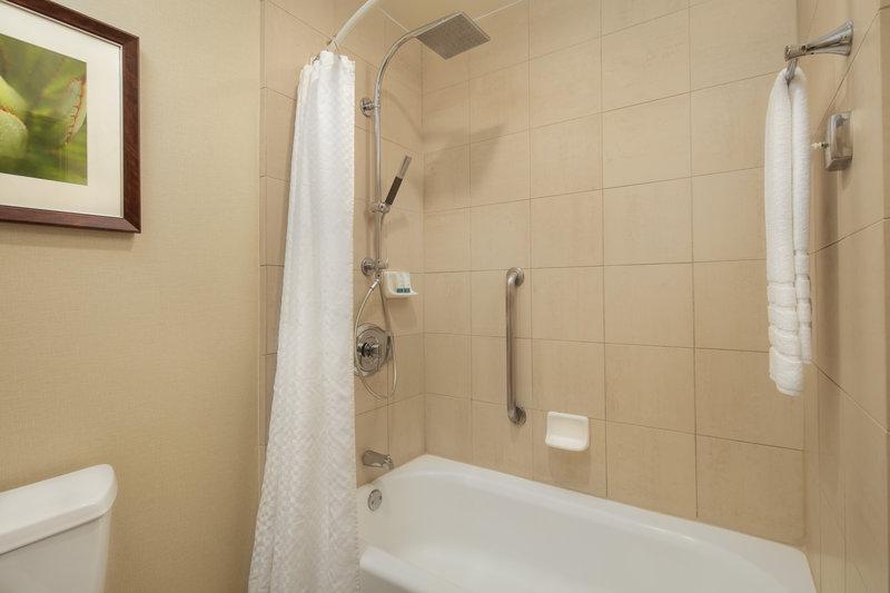 Westin Mission Hills Golf Resort-Standard bathroom<br/>Image from Leonardo