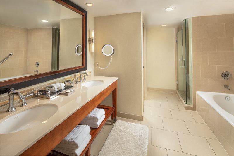 Westin Mission Hills Golf Resort-Executive Suite Bathroom<br/>Image from Leonardo