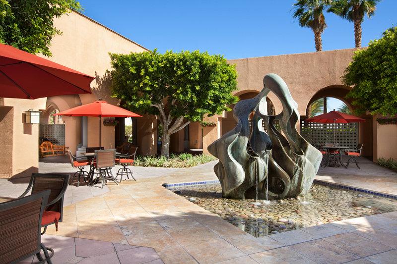 Westin Mission Hills Golf Resort-Oasis Sculpture<br/>Image from Leonardo