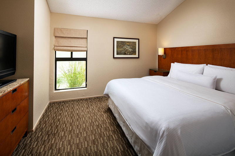 Westin Mission Hills Golf Resort-Executive Suite - Bedroom<br/>Image from Leonardo