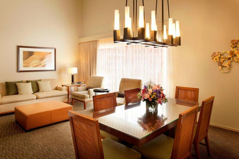Westin Mission Hills Golf Resort-Executive Suite Living Area<br/>Image from Leonardo