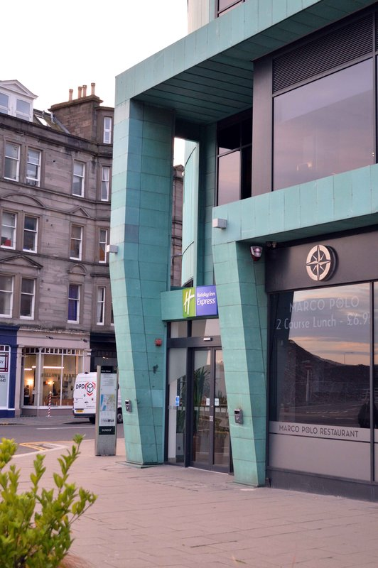 Holiday Inn Express Dundee-Front Entrance<br/>Image from Leonardo