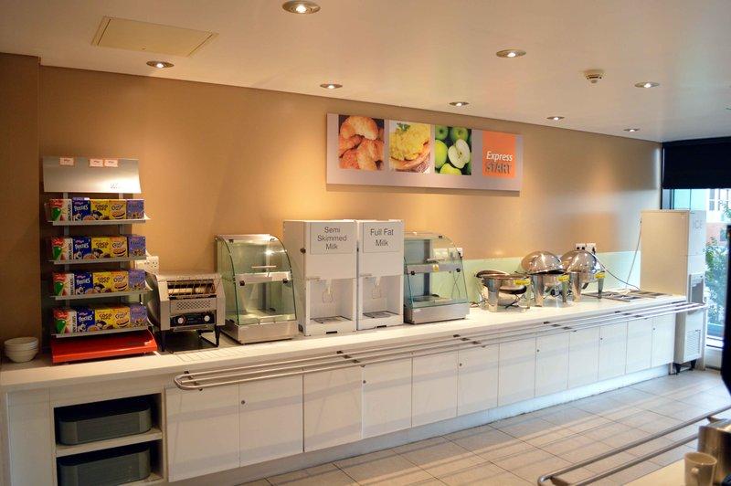 Holiday Inn Express Dundee-Breakfast  Bar Area<br/>Image from Leonardo