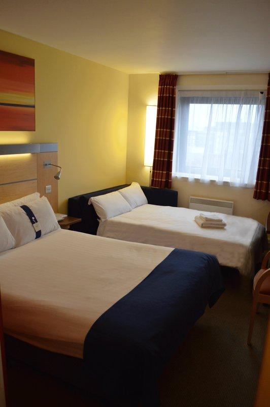 Holiday Inn Express Dundee-Sleeper Sofa<br/>Image from Leonardo