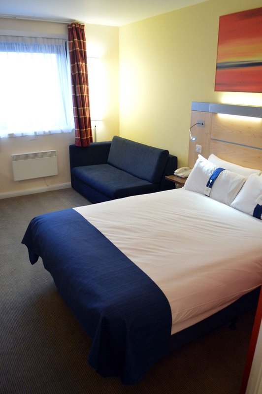 Holiday Inn Express Dundee-Double Bed with Sofa Bed<br/>Image from Leonardo