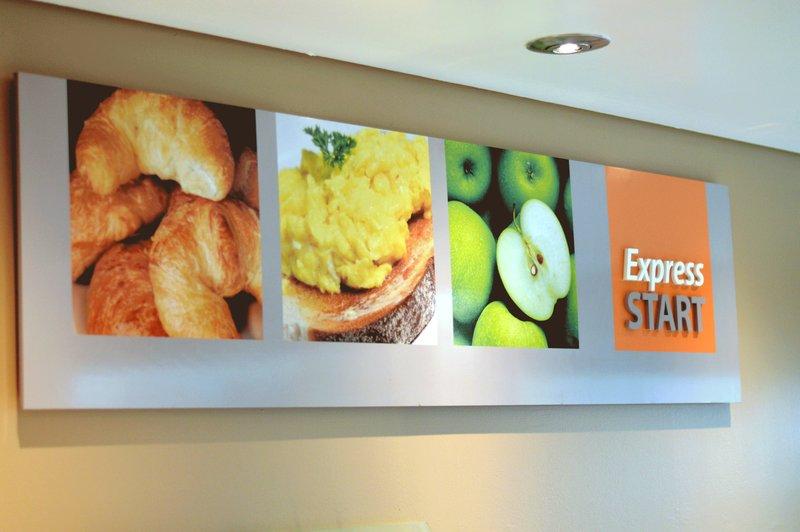 Holiday Inn Express Dundee-Express Start Buffet<br/>Image from Leonardo