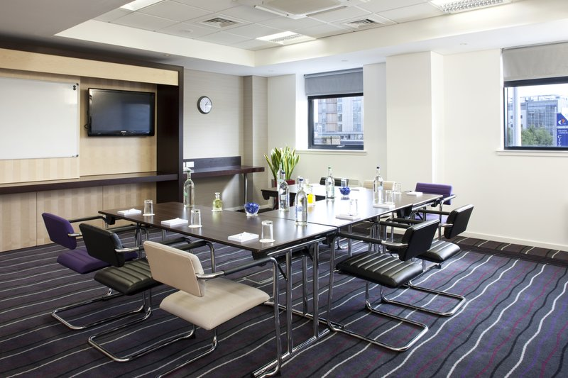 Holiday Inn Express Dundee-Meeting Room<br/>Image from Leonardo