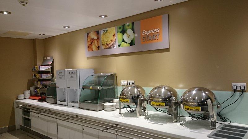 Holiday Inn Express Dundee-Breakfast Bar<br/>Image from Leonardo