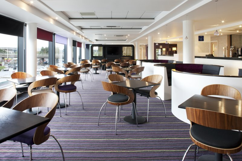 Holiday Inn Express Dundee-Great Room Breakfast Area<br/>Image from Leonardo