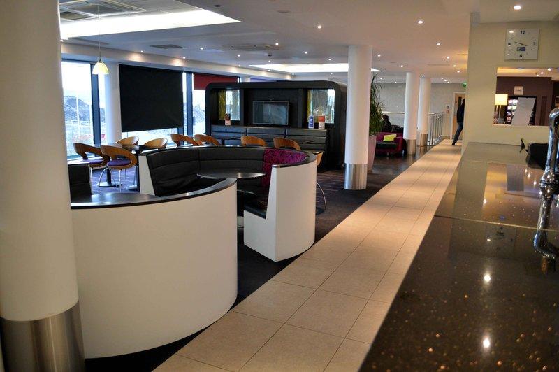 Holiday Inn Express Dundee-Hotel Lobby<br/>Image from Leonardo