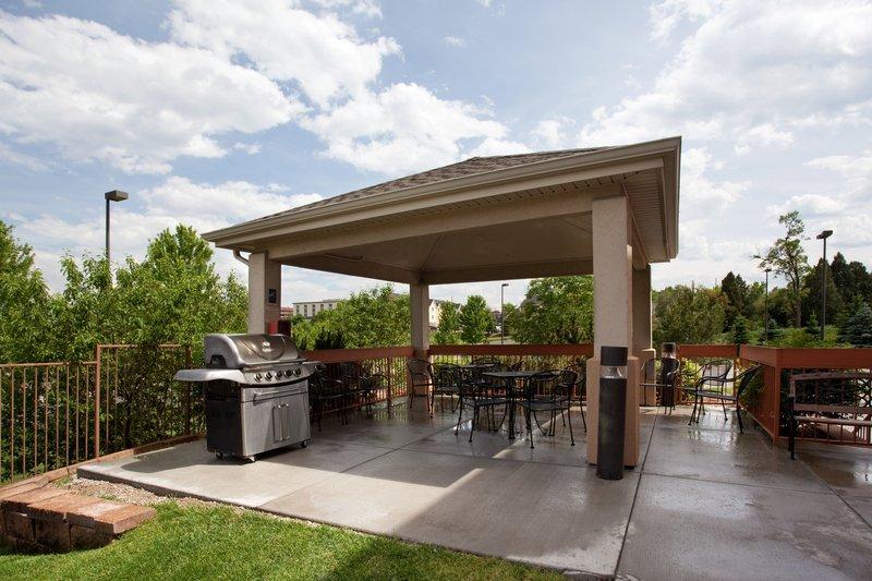 Candlewood Suites Denver West Federal Ctr-Gazebo/ Bar B Que Area<br/>Image from Leonardo