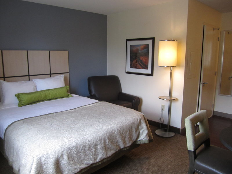 Candlewood Suites Denver West Federal Ctr-Studio Suite with Queen Sized Bed<br/>Image from Leonardo