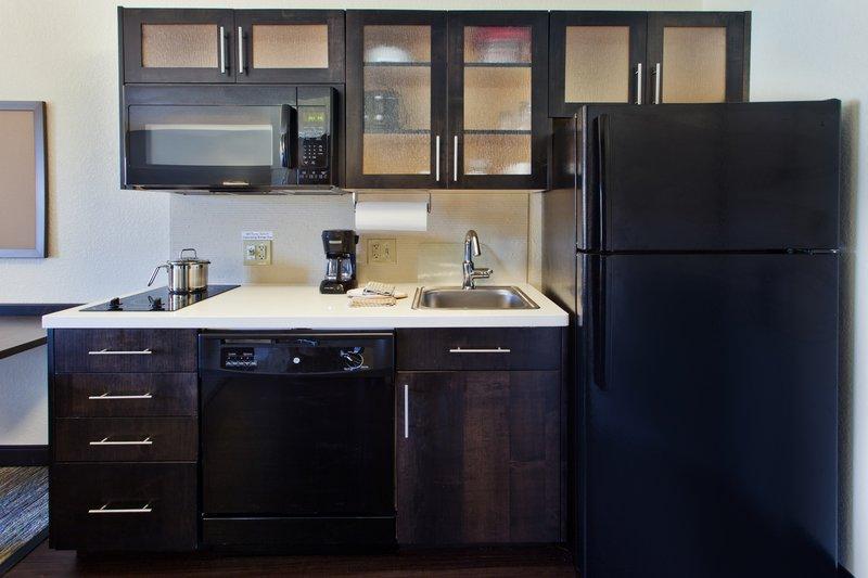 Candlewood Suites Denver West Federal Ctr-Studio Suite Kitchenette<br/>Image from Leonardo