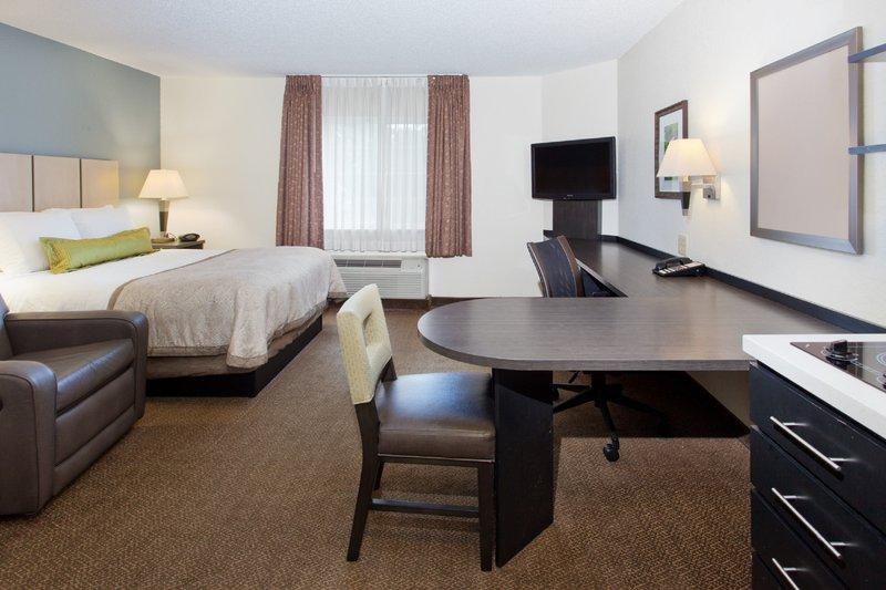 Candlewood Suites Denver West Federal Ctr-Studio Suite<br/>Image from Leonardo