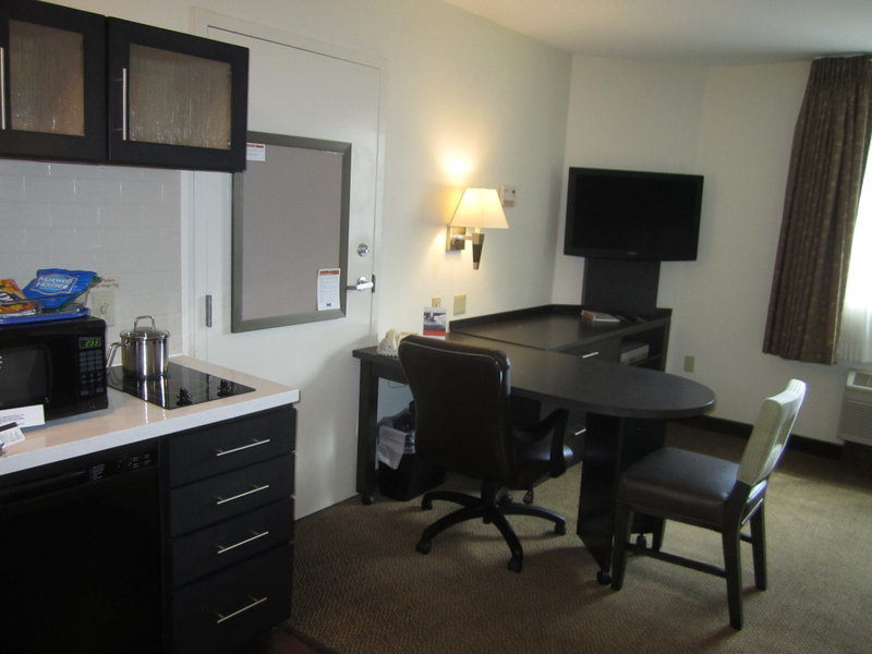 Candlewood Suites Denver West Federal Ctr-Adjoing Studio Suite Kitchen and Workspace<br/>Image from Leonardo