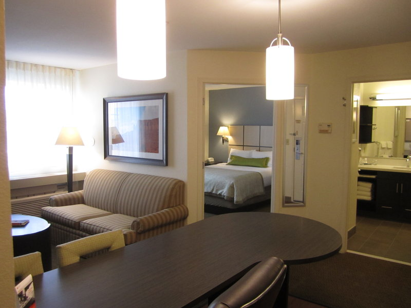 Candlewood Suites Denver West Federal Ctr-One Bedroom Queen Suite with Sofa Sleeper<br/>Image from Leonardo