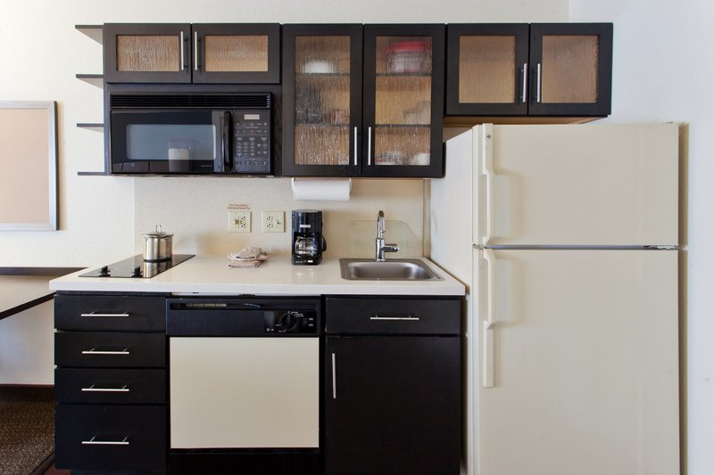Candlewood Suites Denver West Federal Ctr-Studio Suite with Fully Equipped Kitchen<br/>Image from Leonardo