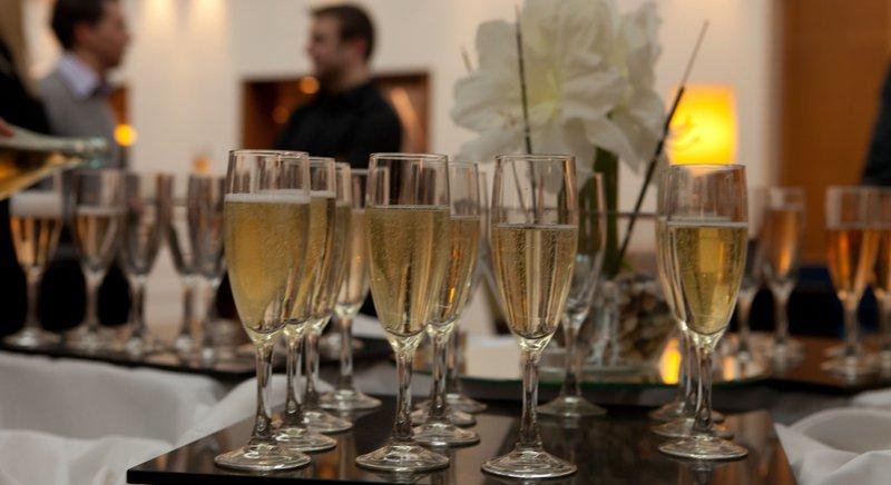 Holiday Inn Milton Keynes - Central-Arrival Drinks<br/>Image from Leonardo