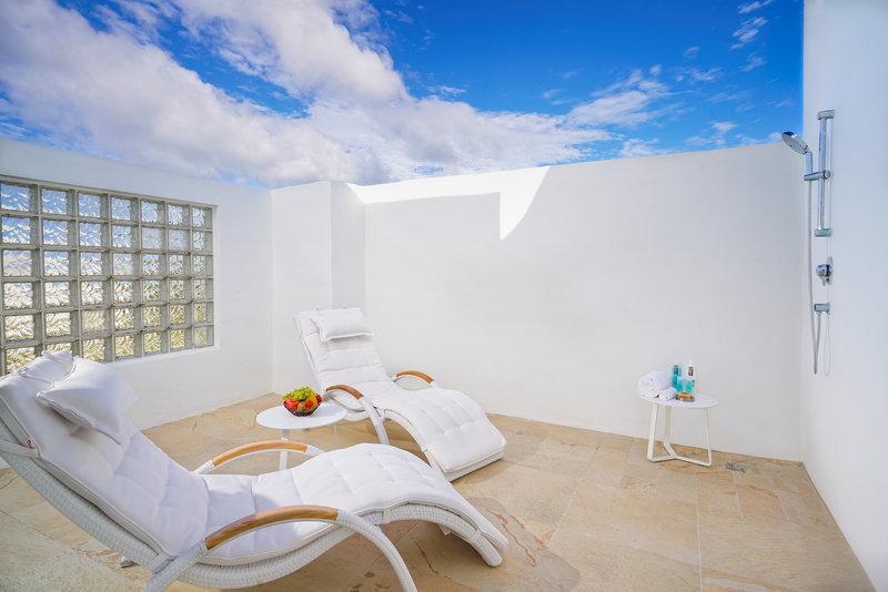 CuisinArt Golf Resort & Spa.-Outdoor Shower One or Two Bedroom Suite<br/>Image from Leonardo