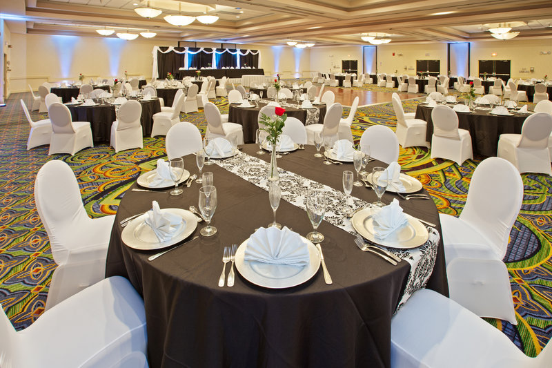 Holiday Inn Evansville Airport-Have your special event at the Holiday Inn Evansville<br/>Image from Leonardo