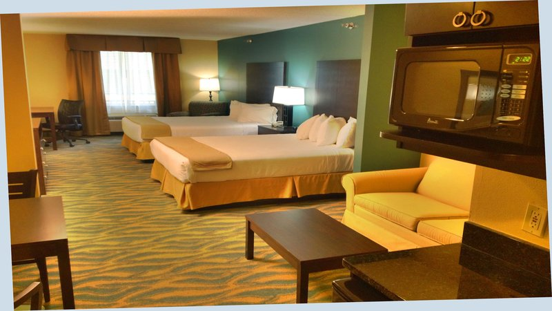 Holiday Inn Express Bluffton-Suite<br/>Image from Leonardo