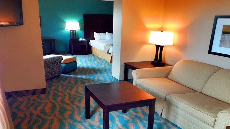 Holiday Inn Express Bluffton-Superior Room<br/>Image from Leonardo