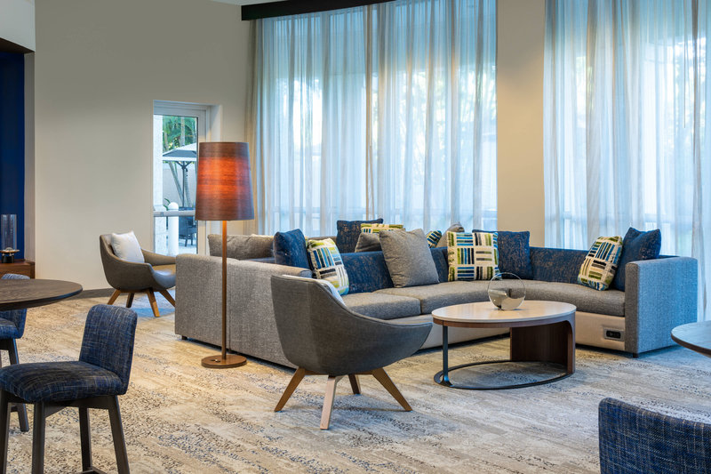 Courtyard Marriott Fort Lauderdale Airport & Cruise Port-Lobby Sitting Area<br/>Image from Leonardo