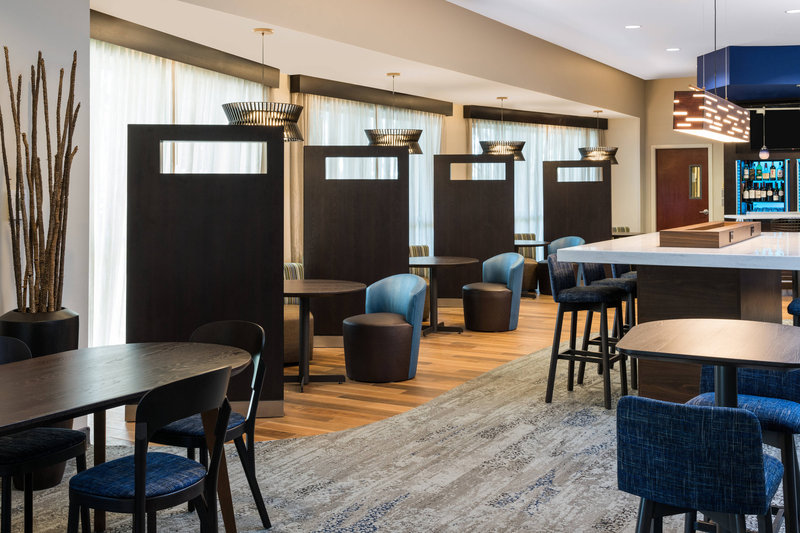 Courtyard Marriott Fort Lauderdale Airport & Cruise Port-Media Pods and Communal Table<br/>Image from Leonardo