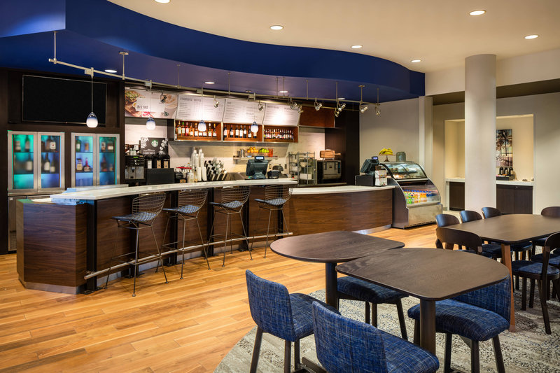 Courtyard Marriott Fort Lauderdale Airport & Cruise Port-The Bistro<br/>Image from Leonardo