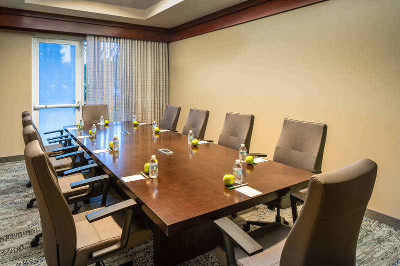 Courtyard Marriott Fort Lauderdale Airport & Cruise Port-Boardroom - Conference Setup<br/>Image from Leonardo