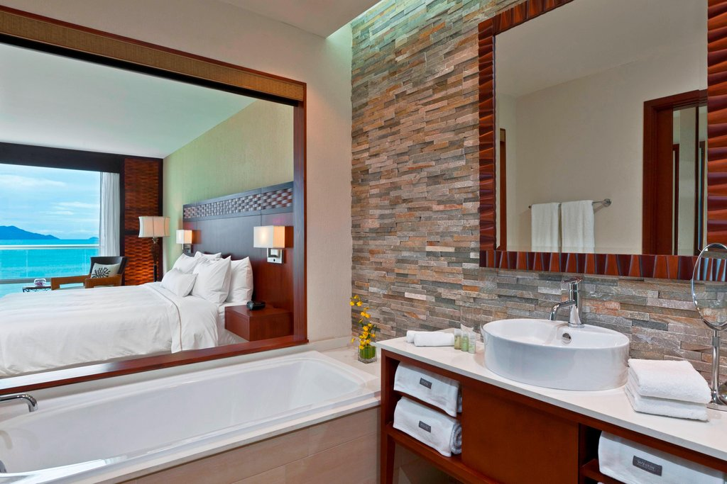 Dreams Playa Bonita Panama - Deluxe Ocean View Room - Bathroom <br/>Image from Leonardo